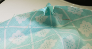 Point turned on fabric. Napkin DIY